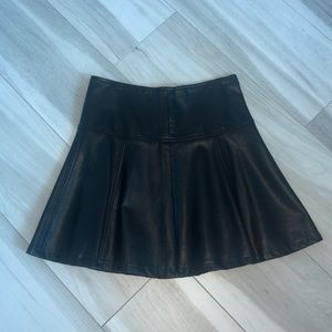 FAUX LEATHER SWING MINI SKIRT SMALL